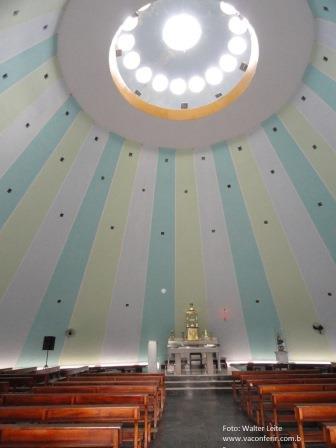 Ala interna da Igreja de Nossa Senhora dos Impossíveis.