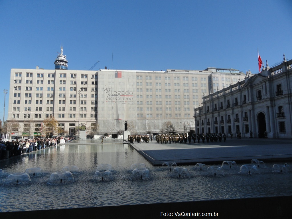 La Moneda - Praça da cidadania e da constituição com a sede do Governo.