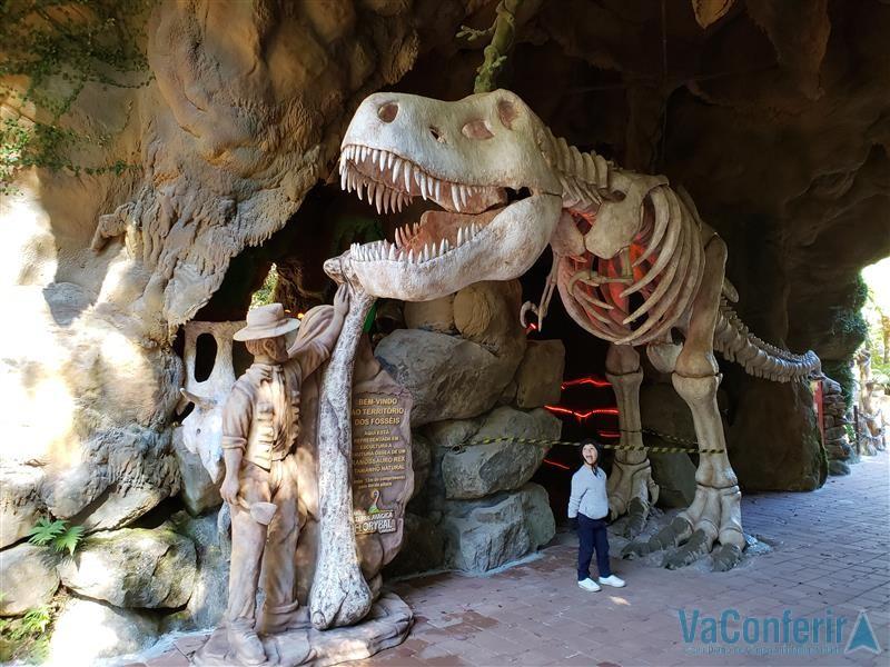 Dinossauros no Parque Florybal