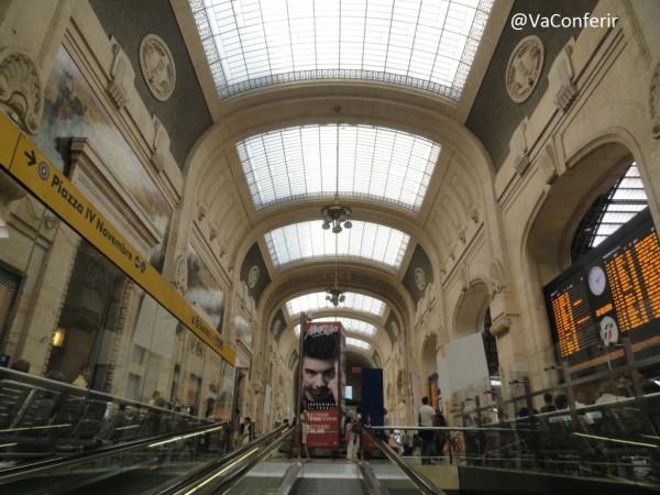 De Veneza para Milão de trem - estação de milão.