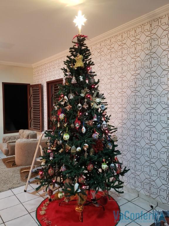 Árvore de Natal da Família VaConferir